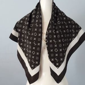 Louis Vuitton Luxury Scarf!